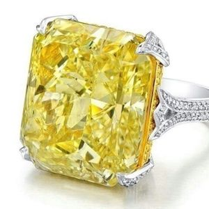 Jewelry - 10.06CT Yellow Topaz Silver Ring
